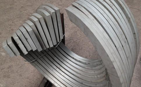 可以考虑设计加工更加实用的螺旋叶片来实现